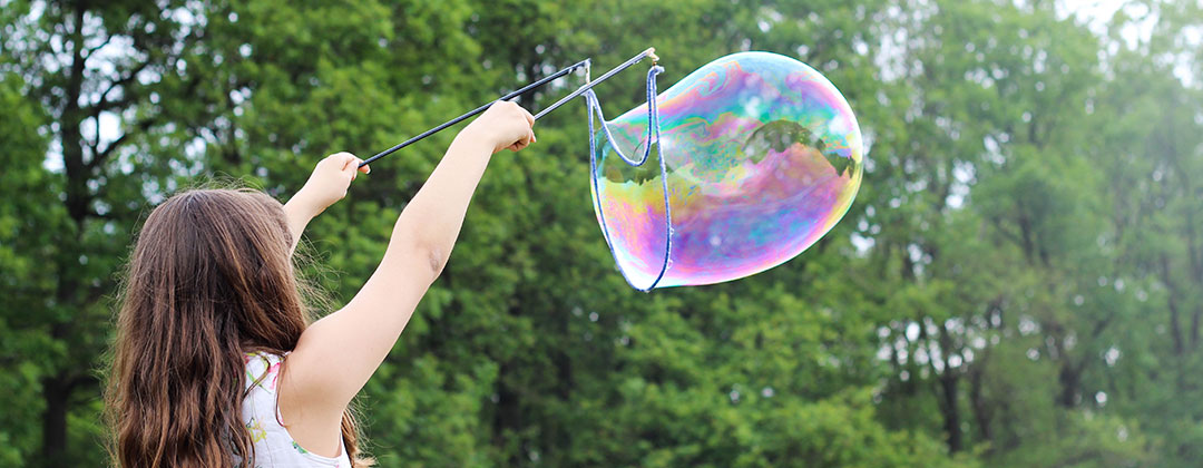 slider Image girl with a bubble